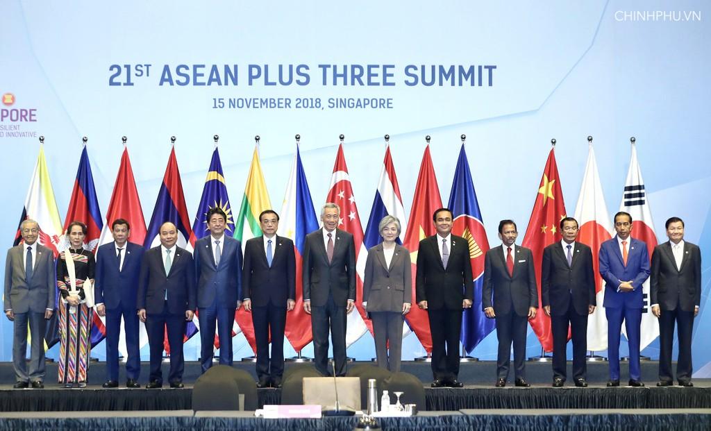 Các nhà lãnh đạo ASEAN và Trung Quốc, Nhật Bản, Hàn Quốc dự Hội nghị Cấp cao ASEAN+3. Ảnh: VGP