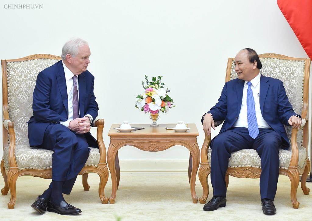 Thủ tướng Nguyễn Xuân Phúc tiếp GS. Thomas Vallely, Giám đốc chương trình Việt Nam tại Đại học Harvard. Ảnh: VGP