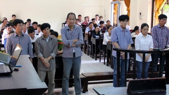 Nhóm doanh nghiệp, cá nhân tham gia lập hồ sơ khống để chiếm đoạt 110 tỉ đồng tiền hoàn thuế đã bị TAND tỉnh Kiên Giang xét xử tháng 9-2015