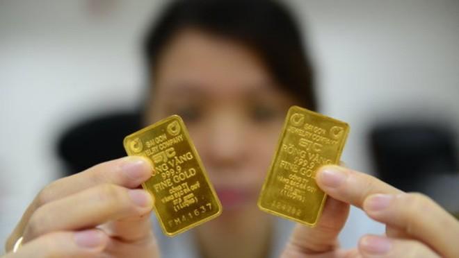Chỉ trong vòng hai tuần qua, Công ty vàng SJC đã hai lần ngưng mua vàng móp méo và vàng một ký tự chữ - Ảnh: Q.Định
