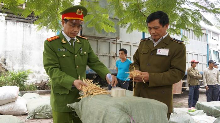 Bắt giữ 10 tấn thuốc bắc Trung Quốc tuồn ra chợ dược liệu ở Hà Nội
