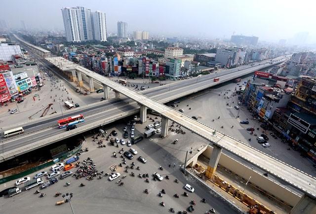 Mật độ dân số của Việt Nam được đánh giá thuộc loại cao tạo ra những gánh nặng về hạ tầng cơ sở