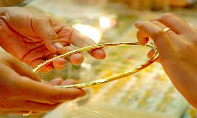 Giá vàng quay đầu tăng mạnh, chênh lệch với thế giới còn 500 nghìn đồng