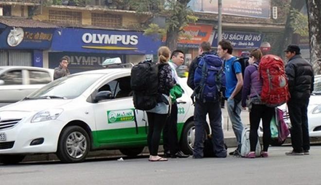 Tới nay mới chỉ có một số ít hãng taxi giảm giá cước, các hãng còn lại dự kiến giảm nhỏ giọt 300 - 500 đồng/km.