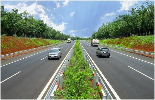 Việc đưa vào khai thác đường cao tốc TP. Hồ Chí Minh - Long Thành - Dầu Giây đã rút ngắn 1/2 khoảng cách và 1/3 thời gian đi từ TP. Hồ Chí Minh đến các vùng lân cận