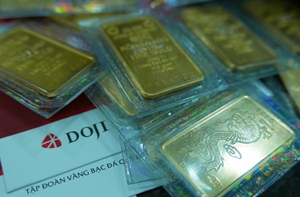 Giá vàng giảm mạnh đầu ngày. Ảnh: Q.Đ