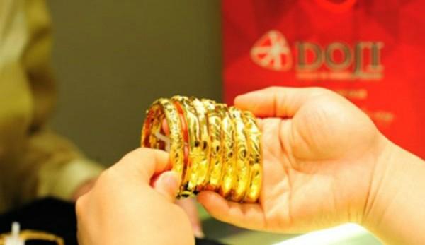 Giá vàng tăng giảm nhiều chiều - ảnh 1