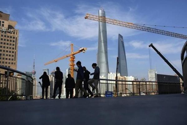 Trung Quốc đang gặp khó trong quá trình chuyển dịch kinh tế. Ảnh: Reuters