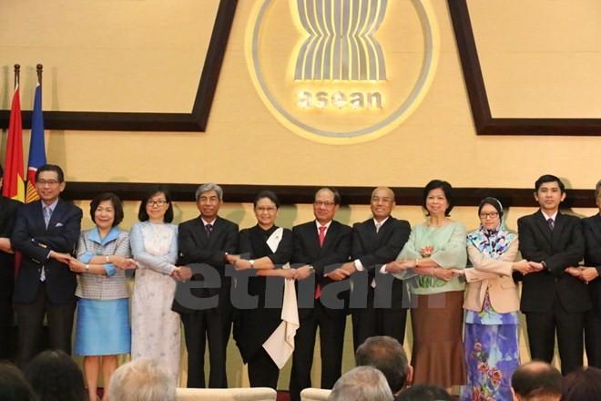Tổng Thư ký ASEAN Lê Lương Minh và các đại biểu tại lễ kỷ niệm. (Ảnh: Trần Chiến/Vietnam+)
