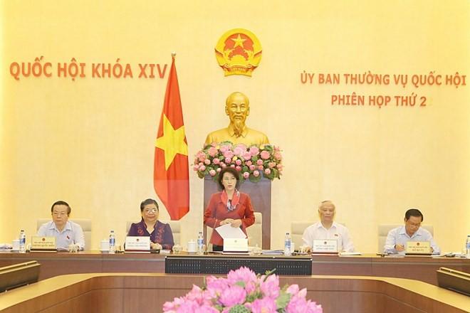 Chủ tịch Quốc hội Nguyễn Thị Kim Ngân chủ trì phiên họp thứ hai của Ủy ban Thường vụ Quốc hội khóa XIV. (Ảnh: Trọng Đức/TTXVN)