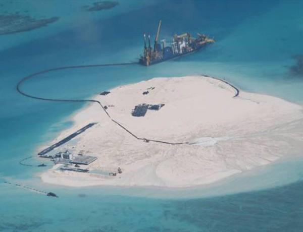 Trung Quốc cải tạo trái phép ở Gạc Ma, thuộc quần đảo Trường Sa của Việt Nam. Ảnh: DFA