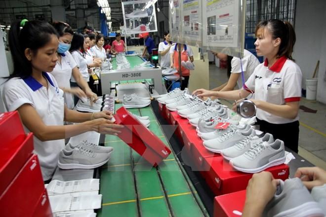 Việt Nam khó đạt mục tiêu tăng trưởng xuất khẩu 10% năm 2016 - ảnh 1