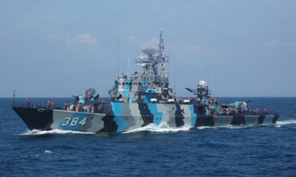 Tàu chiến Indonesia tập trận gần quần đảo Natuna. Ảnh: IH Jane's