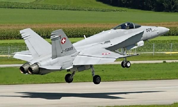 Chiến đấu cơ F/A-18C của Thụy Sĩ. Ảnh: Defense Industry Daily.