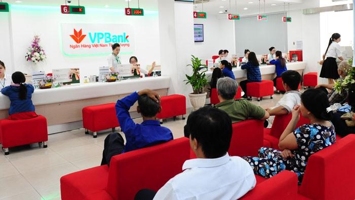 Theo VPBank, để có thể rút được tiền trong tài khoản thì séc phải có đủ chữ ký và dấu của DN