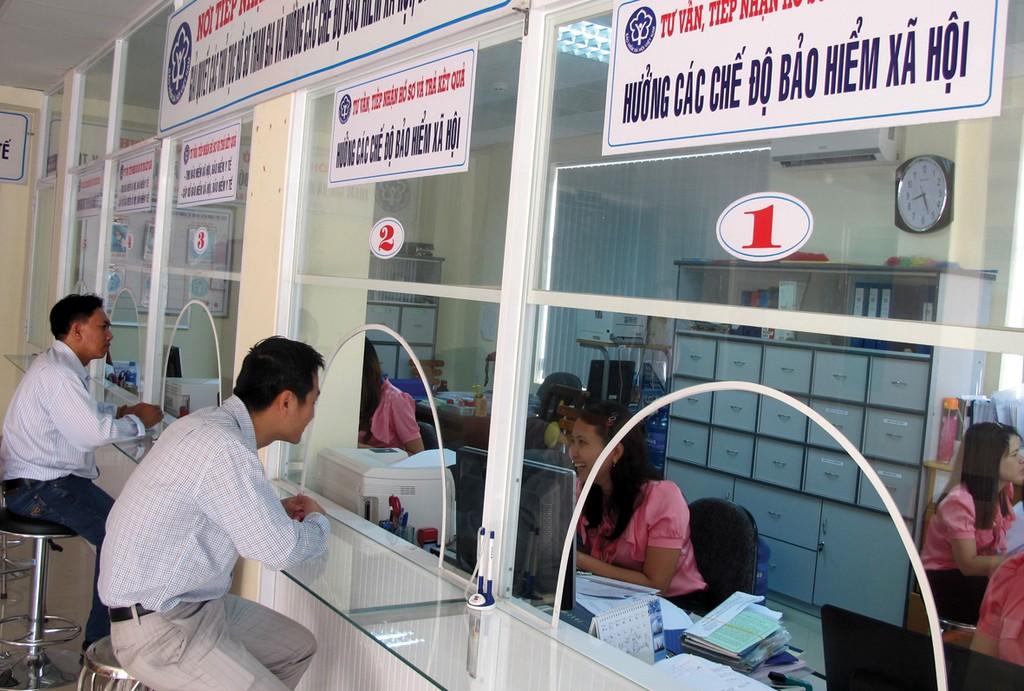 Công tác đôn đốc, thu hồi nợ đọng của Bảo hiểm Xã hội Việt Nam chưa được thực hiện cương quyết. Ảnh: Hải Phong