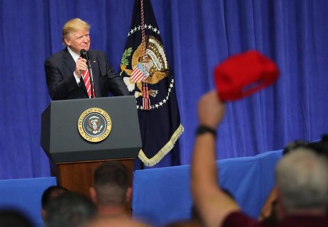 30 ngày đầu tiên làm tổng thống của tỷ phú Trump - ảnh 14