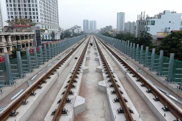 Trải nhiệm Hà Nội từ trên cao qua đường sắt đô thị Cát Linh - Hà Đông - ảnh 12
