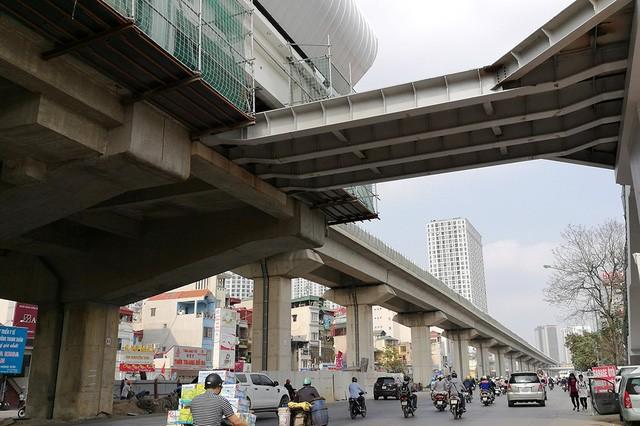 Trải nhiệm Hà Nội từ trên cao qua đường sắt đô thị Cát Linh - Hà Đông - ảnh 13