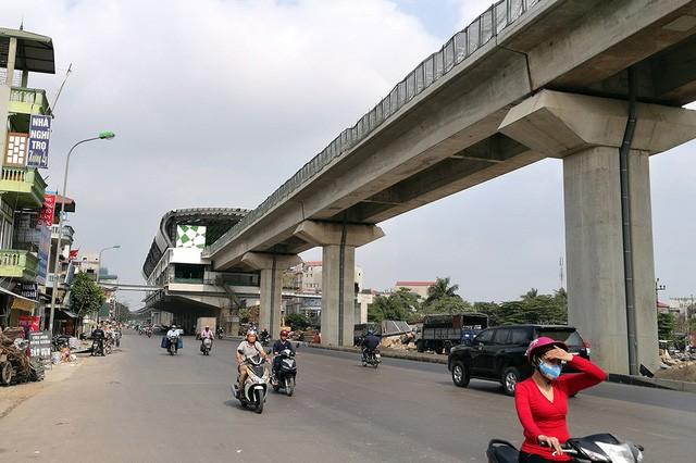 Trải nhiệm Hà Nội từ trên cao qua đường sắt đô thị Cát Linh - Hà Đông - ảnh 15