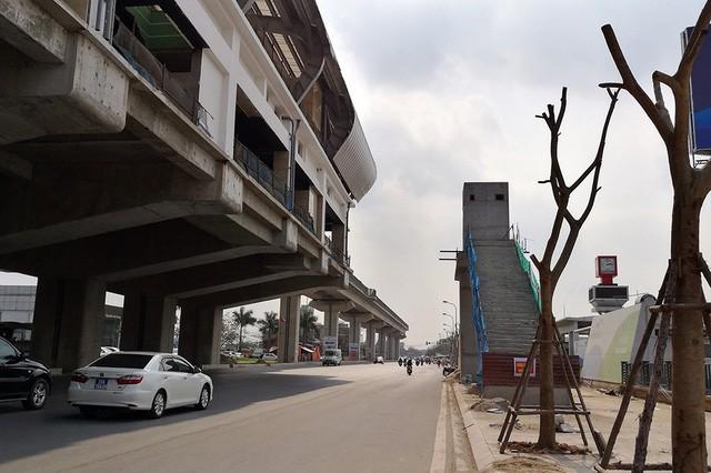 Trải nhiệm Hà Nội từ trên cao qua đường sắt đô thị Cát Linh - Hà Đông - ảnh 17