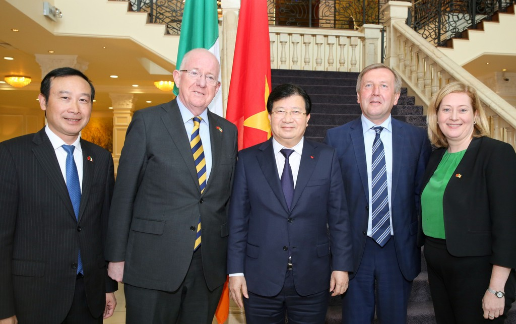 Hoạt động của Phó Thủ tướng Trịnh Đình Dũng tại Ireland - ảnh 2