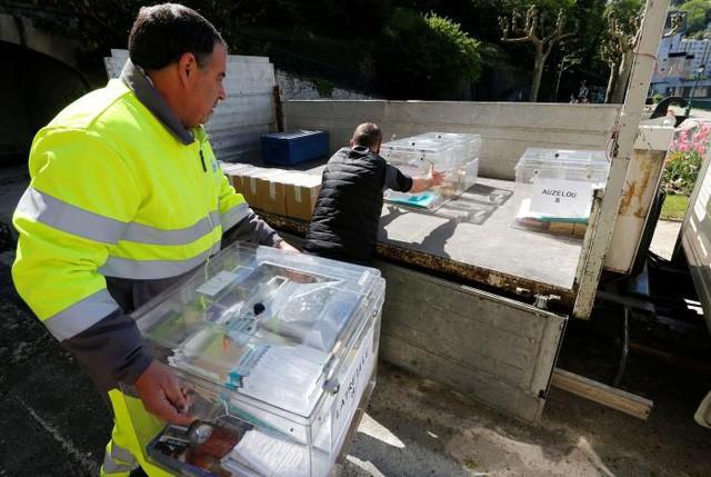 Toàn cảnh nước Pháp trong ngày bỏ phiếu bầu tổng thống - ảnh 4