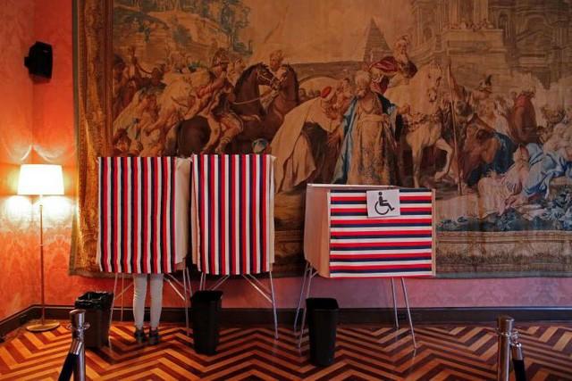 Toàn cảnh nước Pháp trong ngày bỏ phiếu bầu tổng thống - ảnh 5
