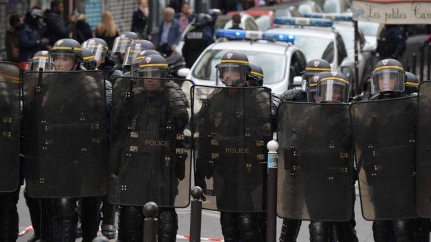 Toàn cảnh nước Pháp trong ngày bỏ phiếu bầu tổng thống - ảnh 7