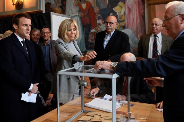 Chân dung ứng viên có thể trở thành tổng thống trẻ nhất lịch sử Pháp - ảnh 1
