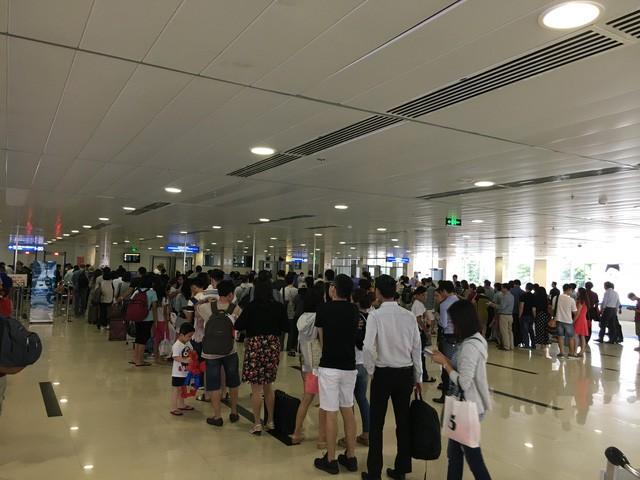 """Điểm mặt những """"ông lớn"""" muốn giải cứu sân bay Tân Sơn Nhất - ảnh 1"""