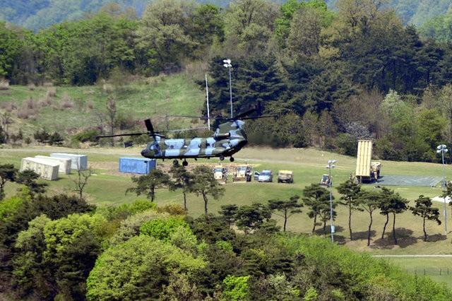 Hệ thống tên lửa THAAD đang được triển khai tại Seongju, Hàn Quốc (Ảnh: Reuters)