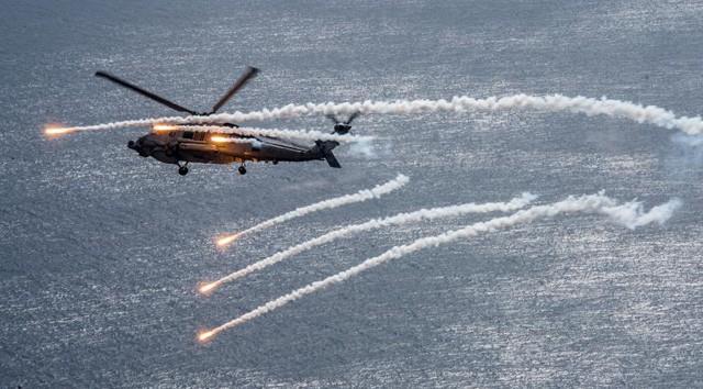 Cận cảnh tàu sân bay Mỹ trên đường tới bán đảo Triều Tiên - ảnh 3