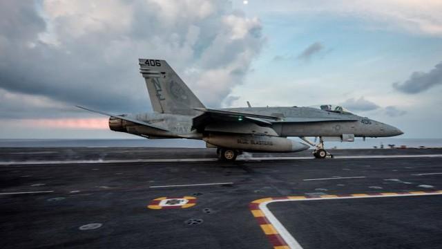 Cận cảnh tàu sân bay Mỹ trên đường tới bán đảo Triều Tiên - ảnh 7