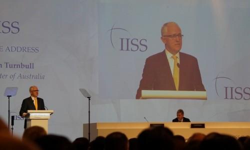 Thủ tướng Turnbull phát biểu trước hàng trăm quan khách tại diễn đàn. Ảnh: Trọng Giáp
