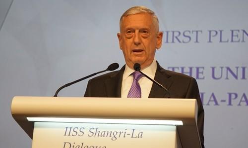 Bộ trưởng Quốc phòng Mỹ James Mattis phát biểu tại Đối thoại Shangri-La ngày 3/6. Ảnh:Trọng Giáp.