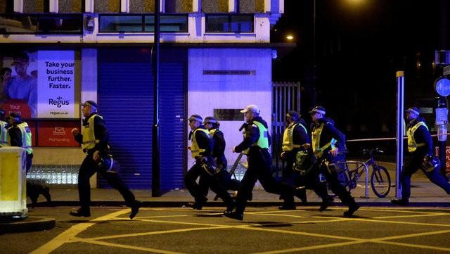 9 người chết trong hai vụ tấn công khủng bố liên tiếp ở London