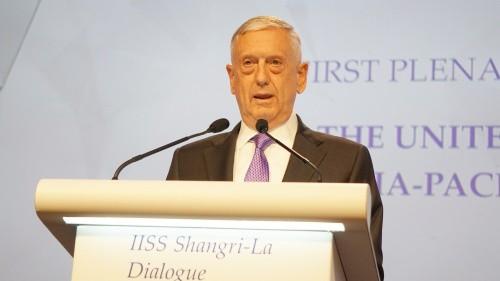 Bộ trưởng Mattis phát biểu trong phiên toàn thể tại Đối thoại Shangri-La. Ảnh:Trọng Giáp