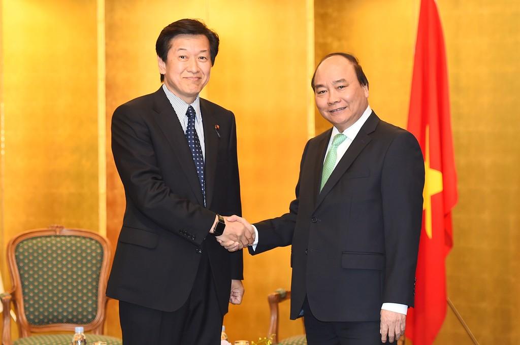 Thủ tướng Nguyễn Xuân Phúc tiếp Thống đốc tỉnh Ibaraki, Nhật Bản - ảnh 1