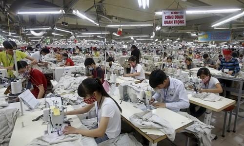 GDP Việt Nam sẽ đạt 6,3% trong năm nay. Ảnh:Reuters