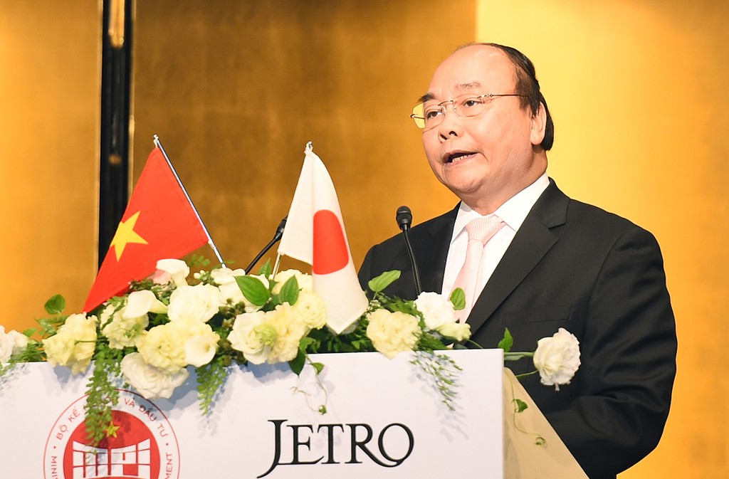 Thủ tướng Nguyễn Xuân Phúc phát biểu tại Hội nghị xúc tiến đầu tư Việt Nam được tổ chức tại  Tokyo (Nhật Bản). Ảnh: VGP/Quang Hiếu