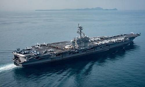 Tàu sân bay Mỹ USS Carl Vinson. Ảnh:Reuters.