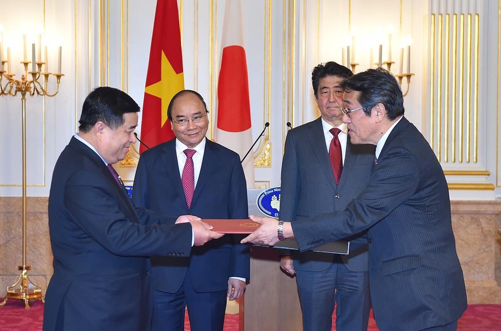 Hai Thủ tướng Việt Nam, Nhật Bản hội đàm - ảnh 1