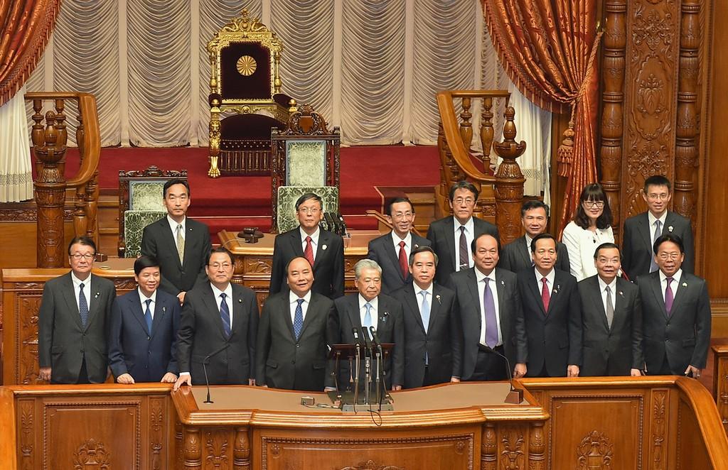 Thủ tướng hội kiến Chủ tịch Thượng viện Nhật Bản - ảnh 2