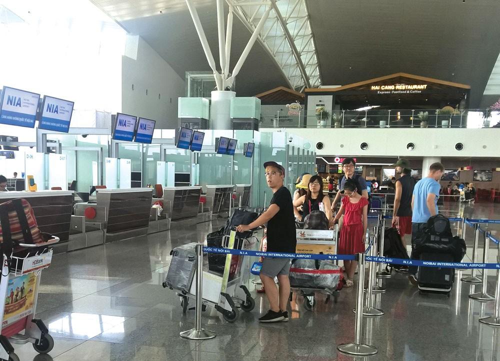 Điều kiện hạ tầng hiện nay chưa đáp ứng cho thêm hãng hàng không mới hoạt động. Ảnh: Minh Tuấn