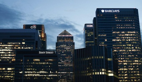 Đế chế tài chính 335 tỷ USD của Qatar gặp nguy - ảnh 1
