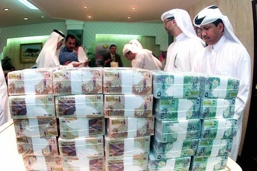 Các ngân hàng Qatar phụ thuộc lớn vào tiền nước ngoài. Ảnh:Arabian Business
