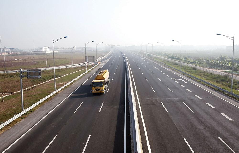 """Dự án Đường cao tốc Hà Nội - Hải Phòng """"đội vốn"""" do tăng chi phí xây dựng, thiết bị, chi phí bồi thường giải phóng mặt bằng. Ảnh: Lê Tiên"""