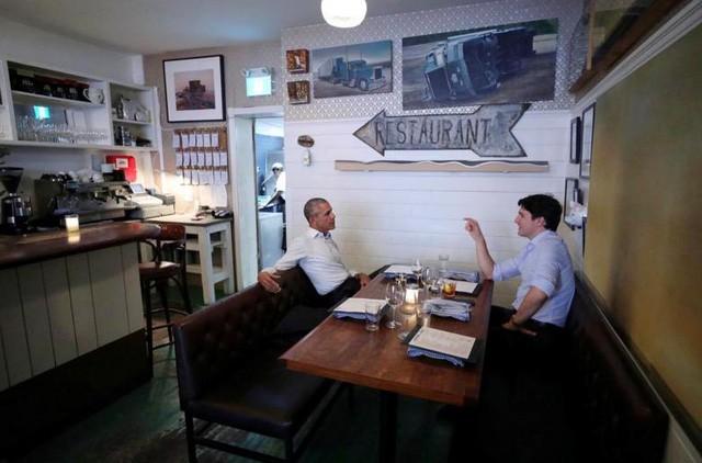 Thủ tướng Canada Justin Trudeau ăn tối riêng tư cùng cựu Tổng thống Mỹ Barack Obama tại Montreal, Quebec (Ảnh: Reuters)
