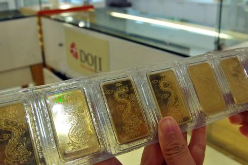 Giá vàng trong nước không biến động mạnh như thịtrường thế giới.
